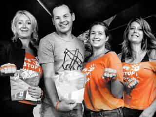 Sander Boschker Ambassadeur Stichting Stop Pesten Nu bij PlonZ festival in Vriezenveen