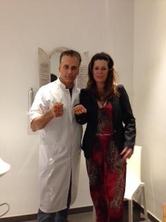 Ambassadeur Robert Schoemacher zegt: Ik STOP pesten nu! met oranje bandje tegen pesten