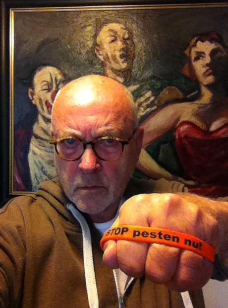 Serge-Henri Valcke Ambassadeur Stop Pesten Nu met bandje tegen pesten