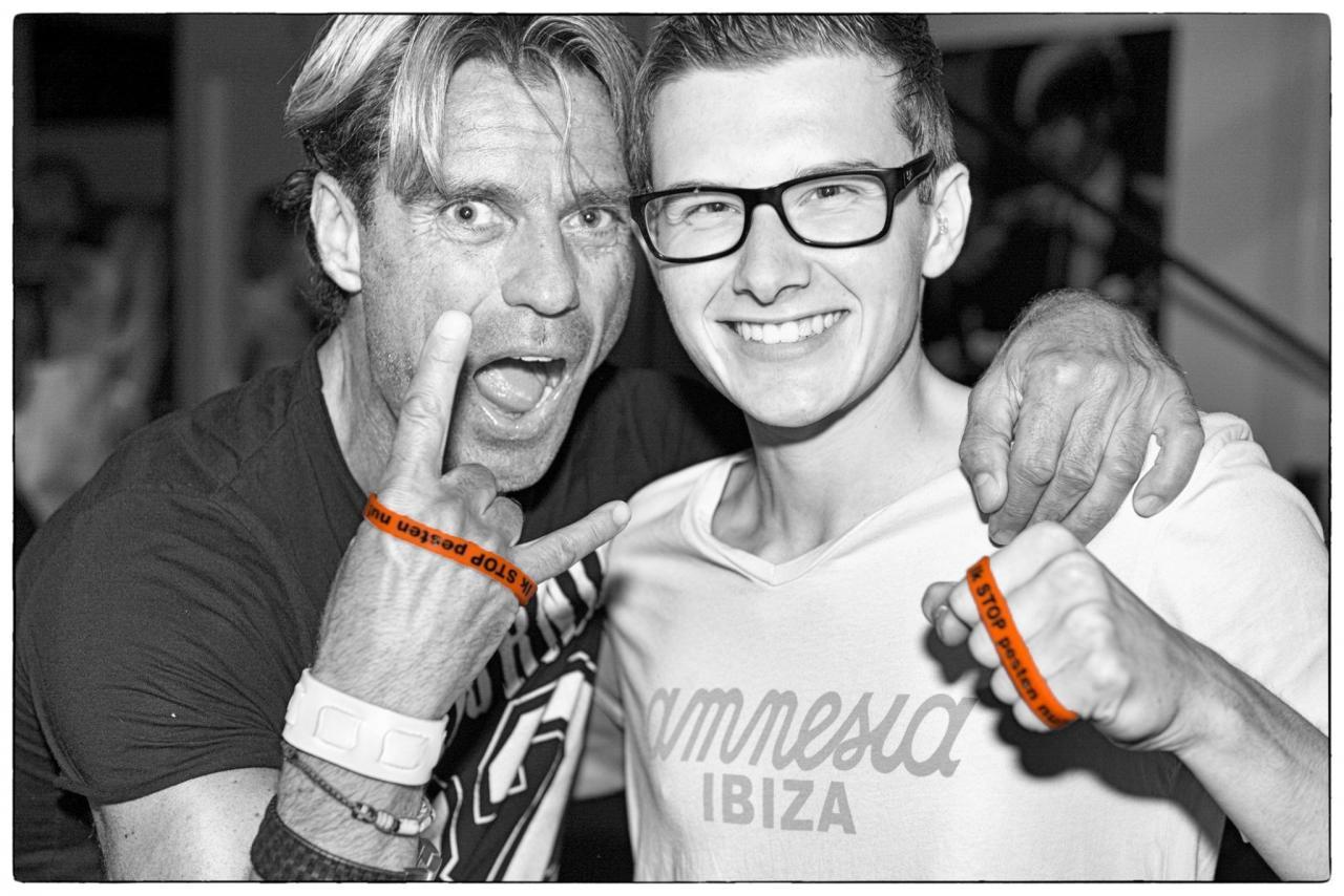 DJ Eric van Kleef zegt: IK STOP pesten nu! met DJ MitchL