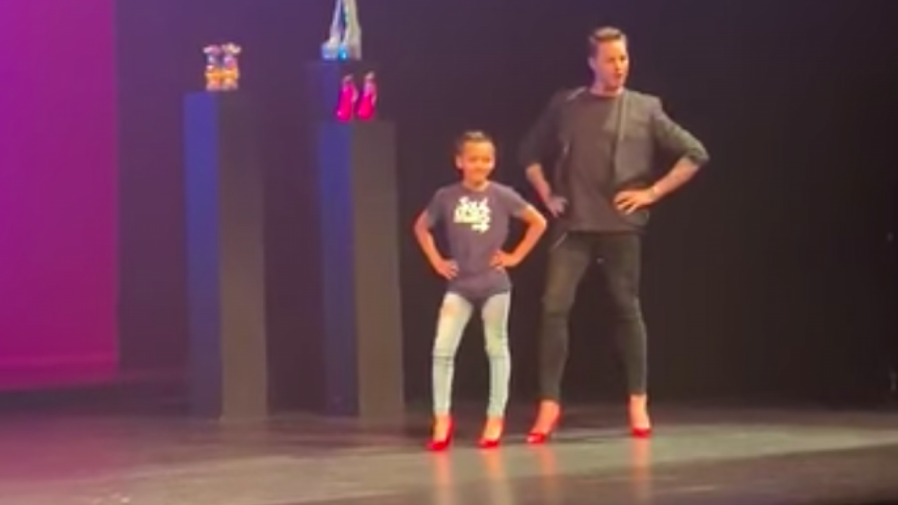 Dejany op het podium met Fred van Leer