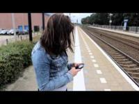 Embedded thumbnail for Cyberpesten en de gevolgen korte video